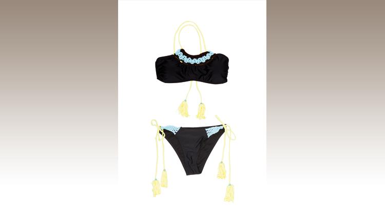 Bikini con laccetti e scollo all'americana, Inside
