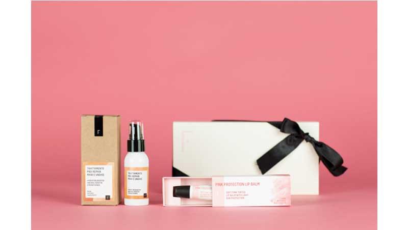 Daily Mama Pack comprende un trattamento Pro Repair Mani e Unghie e Pink Protection Lip-Balm, Freshly Cosmetics