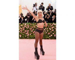 Lady Gaga in Brandon Maxwell quarto outfit