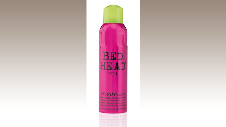 Headrush BED HEAD by TIGI è uno spray per capelli dalla texture ultrafine che ne esalta i riflessi.