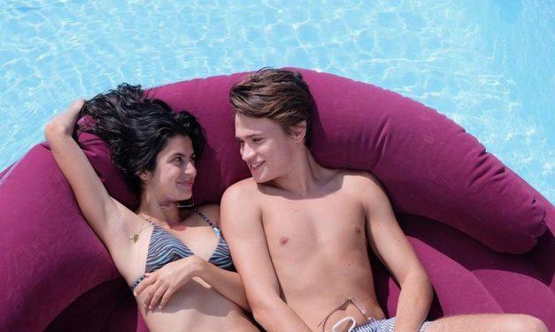 Sotto il sole di Riccione dal primo luglio su Netflix. Con Saul Nanni protagonista