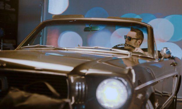 Tiziano Ferro lancia il nuovo singolo E ti vengo a cercare, successo di Franco Battiato
